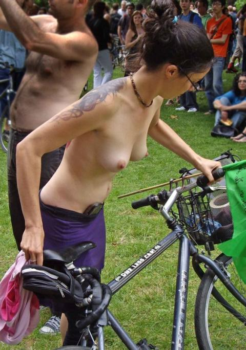 bare breasts at the world naked bike ride