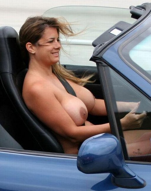 driving-boobs